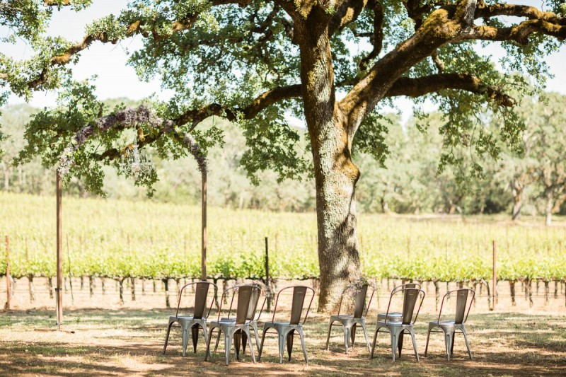 Winery Style Wedding Shoot - Wedding Winery Ceremony (photo: olivia smartt) http://emmalinebride.com/themes/winery-style-wedding/