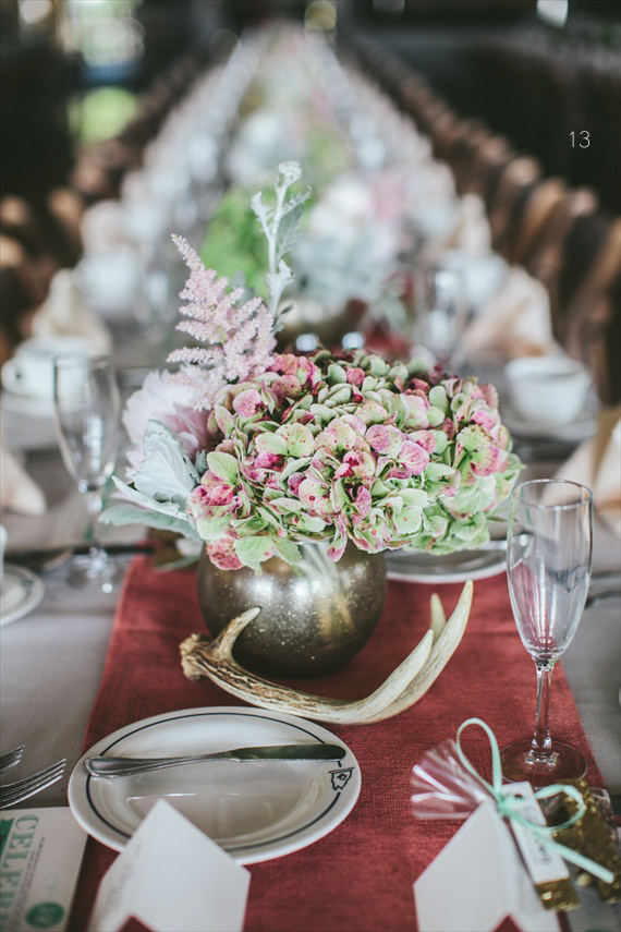 Antler Wedding Centerpiece (photo: woodnote photography)