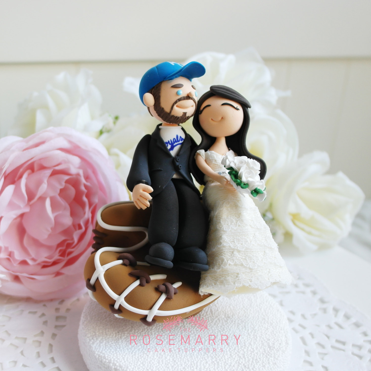 baseball lover cake topper - 9 Adorable Custom Made Cake Toppers via http://emmalinebride.com/decor/custom-made-cake-toppers/