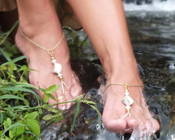 Beach Wedding Sandals: barefoot sandals beach wedding (by bare foot jewelry)