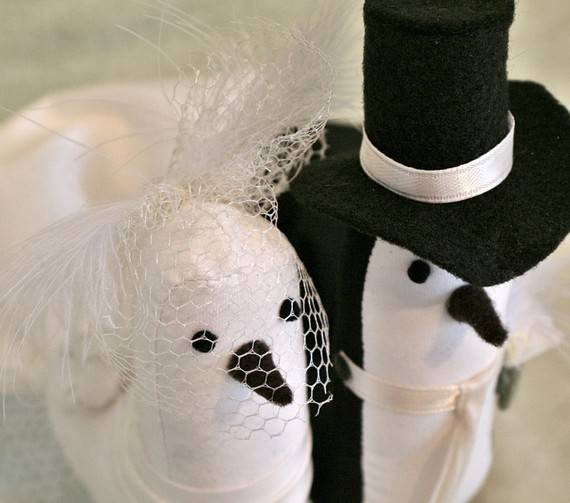 Feather Themed Wedding - bird cake topper by le petit oiseau