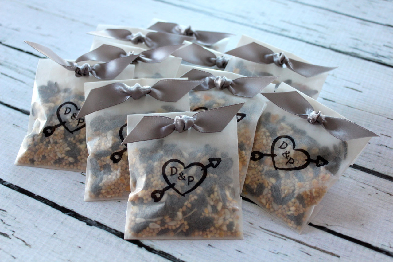 bird seed toss bags for wedding ceremony toss by mother and daughter creations | via 7 Wedding Ceremony Toss Mistakes to Avoid via emmalinebride.com