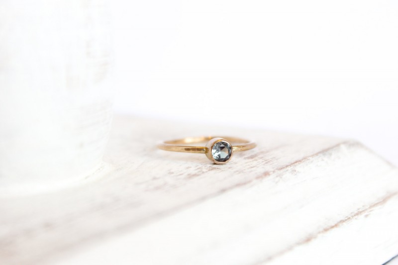 birthstone ring | birthstone jewelry gifts | http://emmalinebride.com/gifts/birthstone-jewelry-gifts/