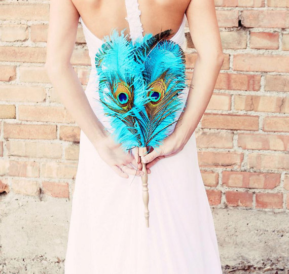 blue-peacock-feather-bouquet-idea