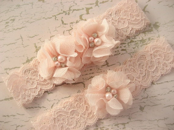 blush lace wedding garter set via Where to Measure for a Garter from EmmalineBride.com