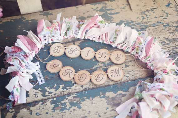 8 Fresh Rustic Wedding Decor Ideas - bride and groom chair banners (by PNZ Designs, photo: Melania Marta Photography)