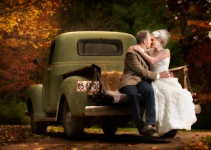 bride-groom-chevy-truck-fall-wedding-Pritchard-Photography
