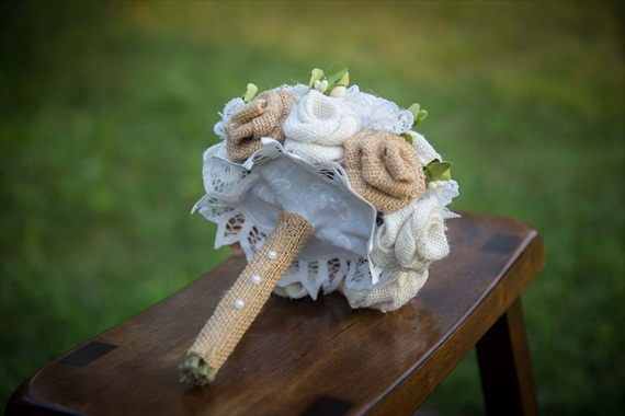 Burlap Wedding Bouquet (by Jane's Daughters via EmmalineBride.com) #handmade #wedding #bouquets