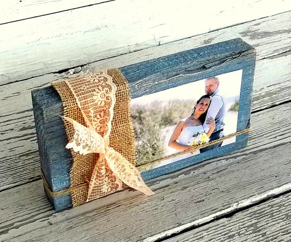burlap wrapped photo frame