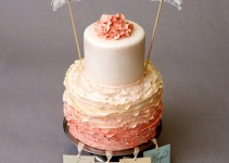 cake charms for bridesmaids - bridesmaid cake with ruffles