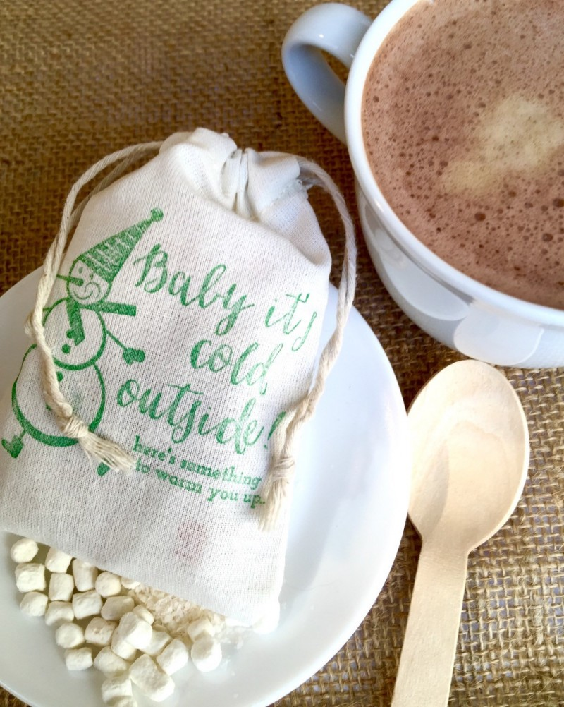 Hot Chocolate Favors Weddings - Apropos Roasters | http://emmalinebride.com/favors/hot-chocolate-favors-weddings/
