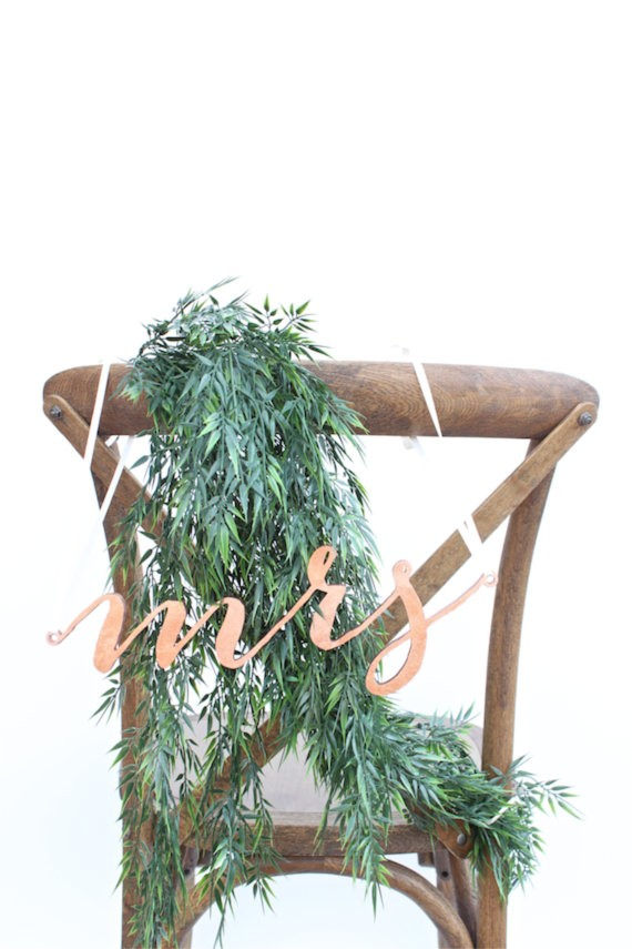 mrs chair sign | via http://emmalinebride.com/decor/bride-and-groom-chairs/