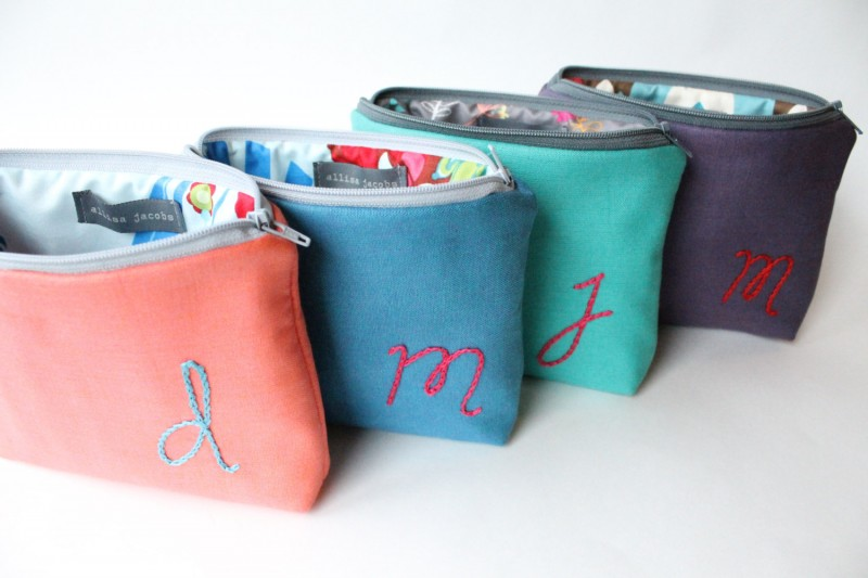 cosmetic bags | bachelorette spa party http://emmalinebride.com/bachelorette/spa-party/