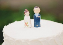 custom-couple-cake-topper