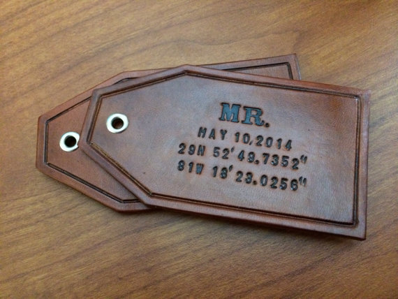 custom leather luggage tags via 27 Amazing Anniversary Gifts by Year https://emmalinebride.com/gifts/anniversary-gifts-by-year/