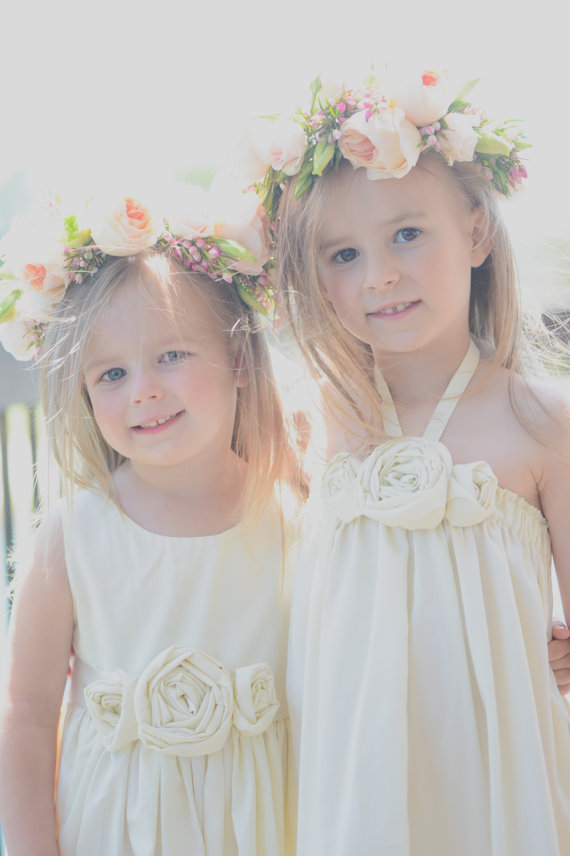 Cute cotton flower girl dresses in ivory | Olive & Fern | photo: Miles Witt Boyer Photography | via http://emmalinebride.com/flower-girl/cotton-flower-girl-dresses-ivory/