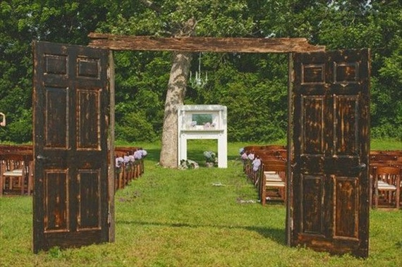 dark wood wedding ceremony backdrops with doors | via 14 Most Unique Wedding Backdrops with DoorsCeremony Backdrops Doors