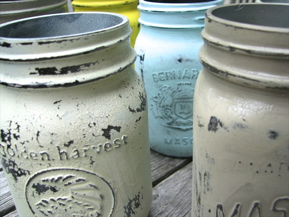 How to Make Mason Jars Look Old - distressed mason jars