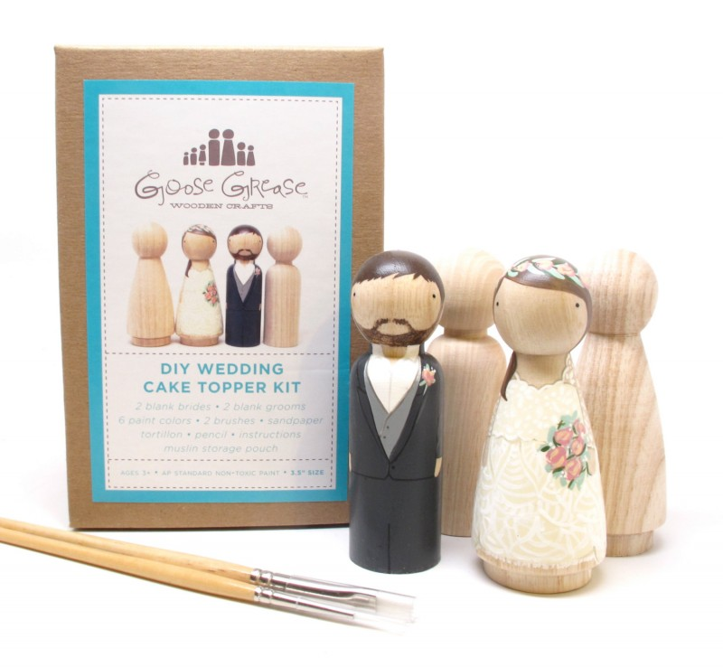 diy cake topper kit | Best DIY Wedding Projects via http://emmalinebride.com/decor/best-wedding-diy-projects/
