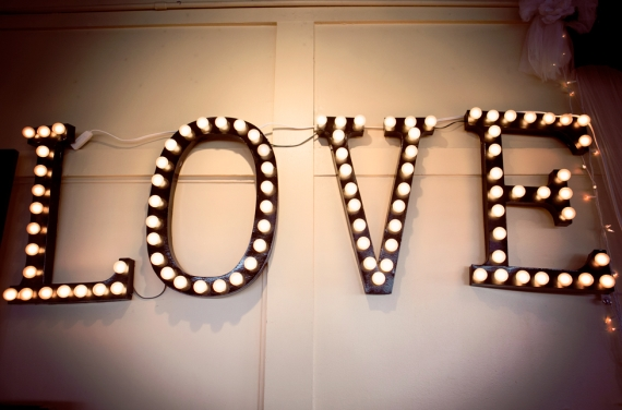 diy love marquee by brittany makes via Easy DIY Wedding Ideas