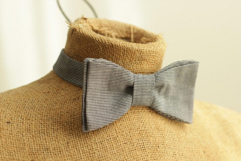diy mens bow tie | Best DIY Wedding Projects via http://emmalinebride.com/decor/best-wedding-diy-projects/