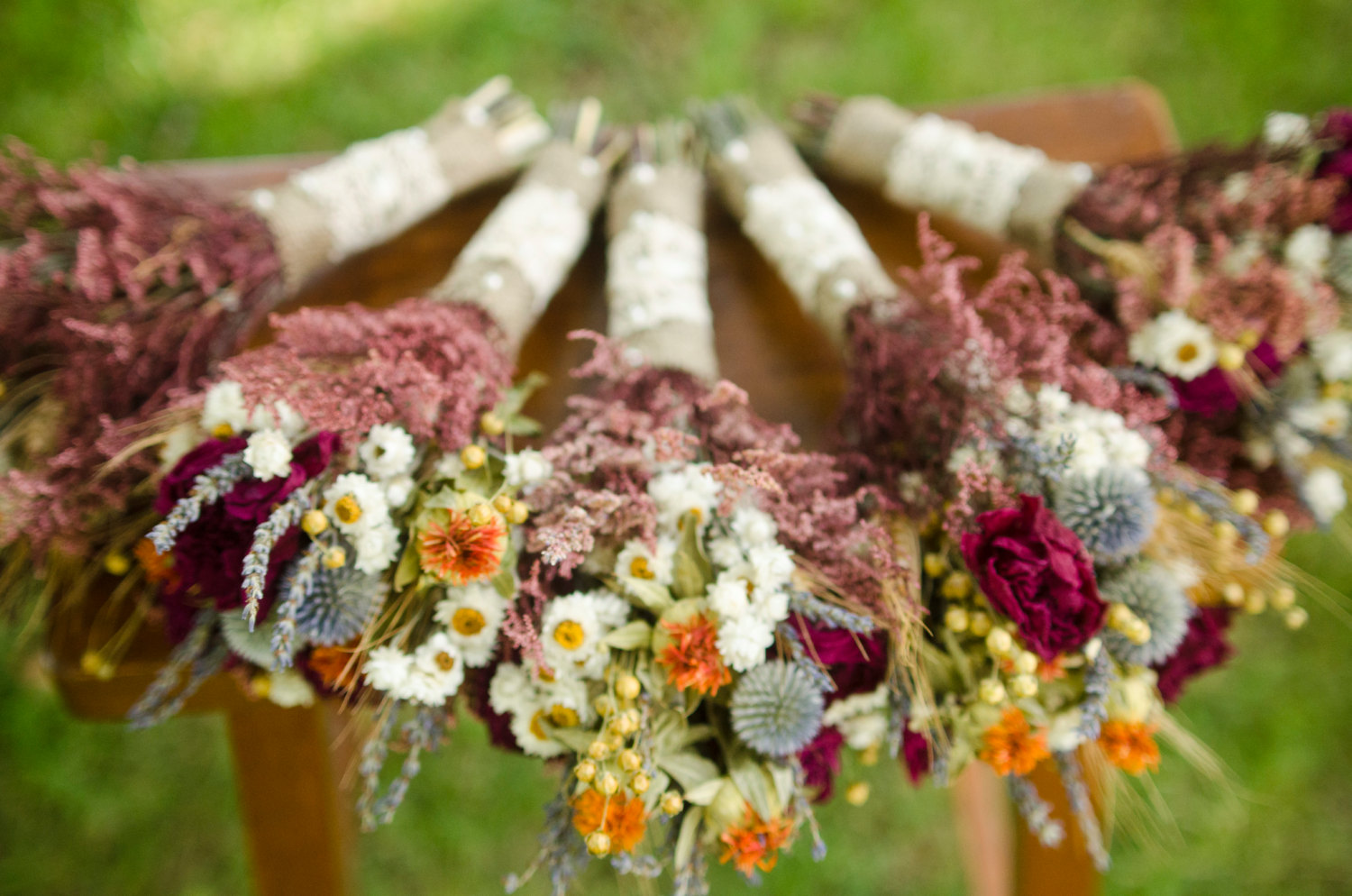 dried fall bridesmaid bouquets | planning a fall wedding
