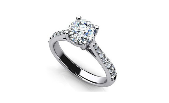engagement ring with side diamonds tips for popping the question