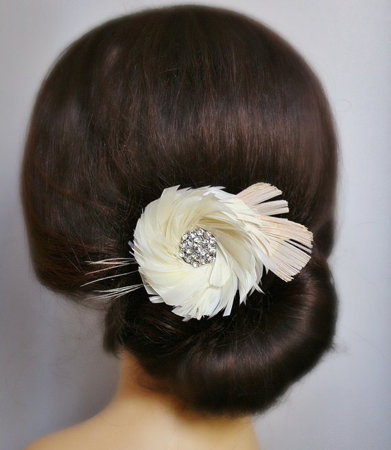 Feather Themed Wedding - feather hair accessory (by fancie strands)