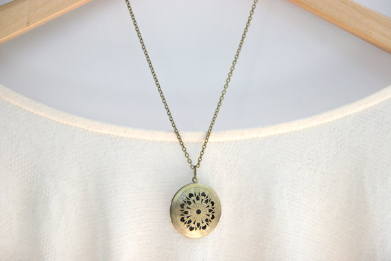 filigree-necklace-locket-brass-chain