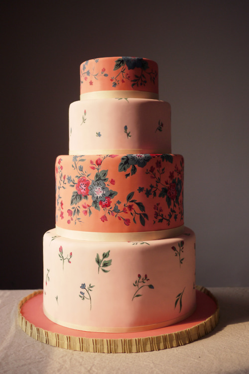 floral wedding cake from charm city cakes
