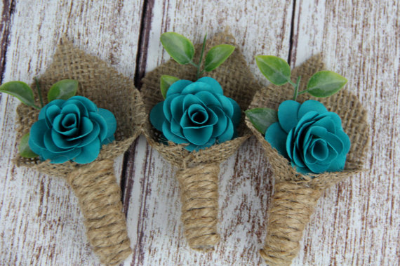 flowers wrapped in burlap | via What Kind of Boutonniere to Pick (and Why) http://emmalinebride.com/groom/what-kind-of-boutonniere/
