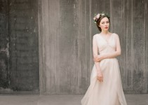 flowy chiffon wedding dress 2