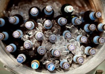 galvanized-tub-beer-wedding-drinks