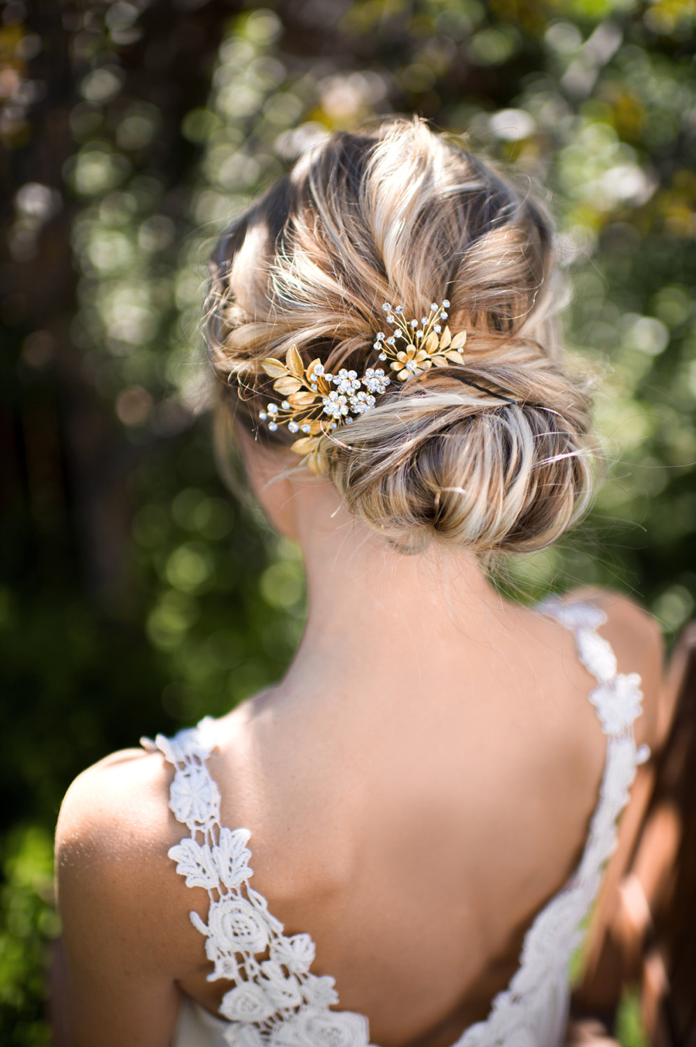 gold leaf hair accessory for weddings | lottie-da designs | http://emmalinebride.com/bride/gold-leaf-hair-accessory/