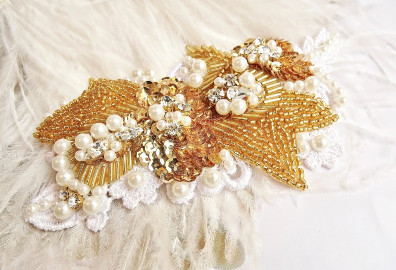 gold sequin bridal hair piece | via http://emmalinebride.com/bride/what-to-wear-instead-of-veil/ - What to Wear Instead of Veil