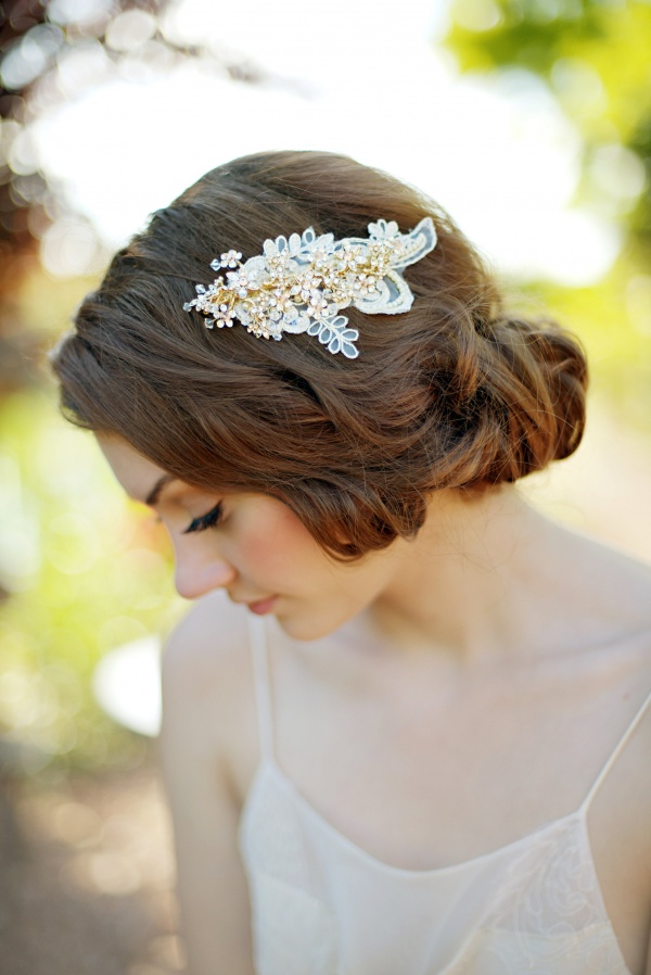 gorgeous hair clip for bridal veil alternative | 8 Alternative Wedding Veil Ideas from Tessa Kim