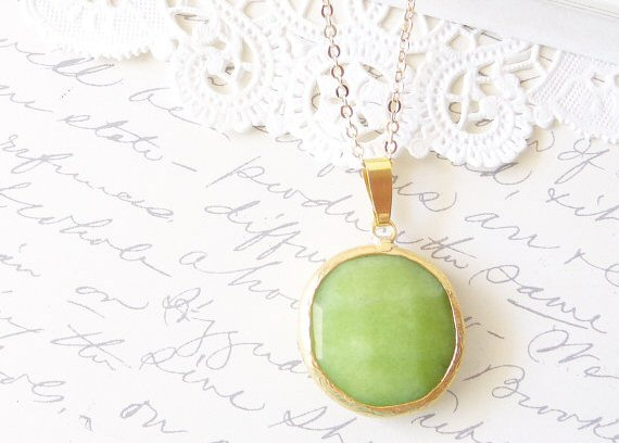 green-gold-necklace