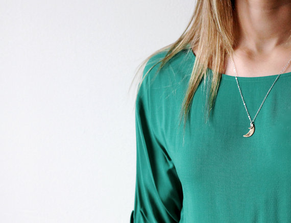 half-moon-personalized-pendant-necklace