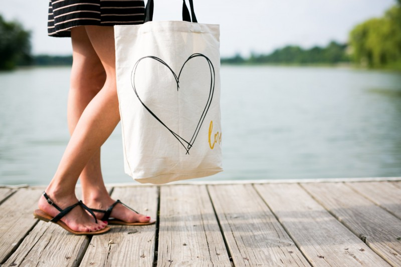 heart love tote bag
