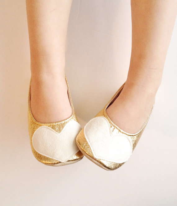 Give your flower girl these adorable heart-topped handmade wedding shoes! By Bitsy Blossom.
