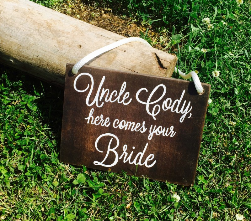 Alternative Wedding Songs To Here Comes The Bride: Flower Girl Basket Alternatives & Ideas
