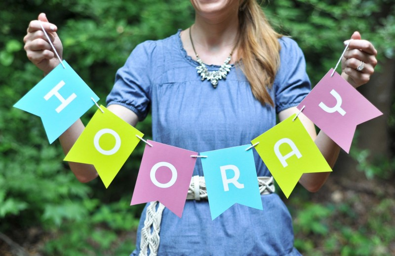 hooray banner | Fun Wedding Photo Props | http://emmalinebride.com/decor/fun-wedding-photo-props/
