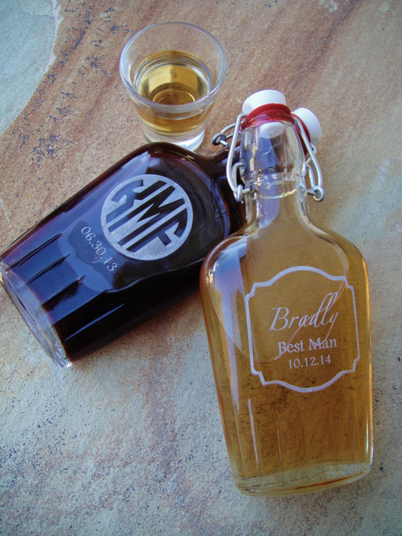 glass groomsmen flasks - Best Groomsmen Gifts