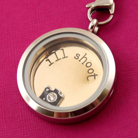 ill shoot floating locket photography