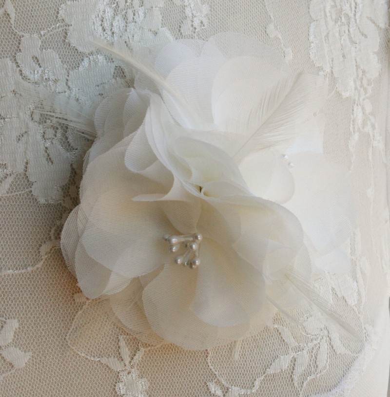 ivory chiffon hair flower | via http://emmalinebride.com/bride/what-to-wear-instead-of-veil/ - What to Wear Instead of Veil