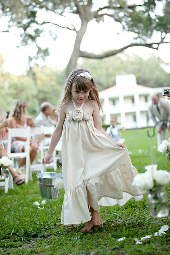 Cute cotton flower girl dresses in ivory | Olive & Fern | photo: Kali Norton Photography | via https://emmalinebride.com/flower-girl/cotton-flower-girl-dresses-ivory/