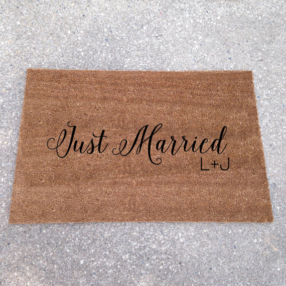 just married - custom doormats etsy collection from LoRustique | http://emmalinebride.com/gifts/custom-doormats-etsy/