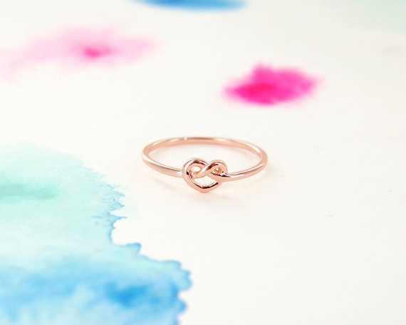 knot ring - Top 8 Wedding Day Gifts for the Bride