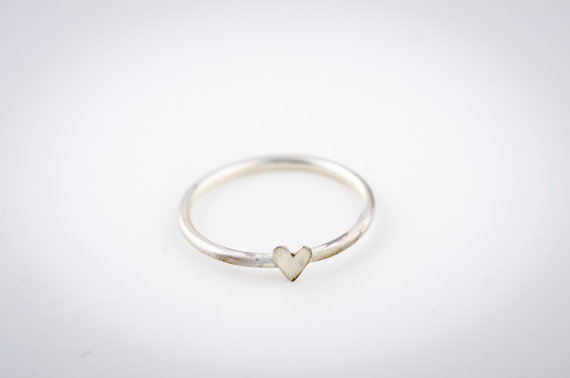 silver heart ring | via emmalinebride.com