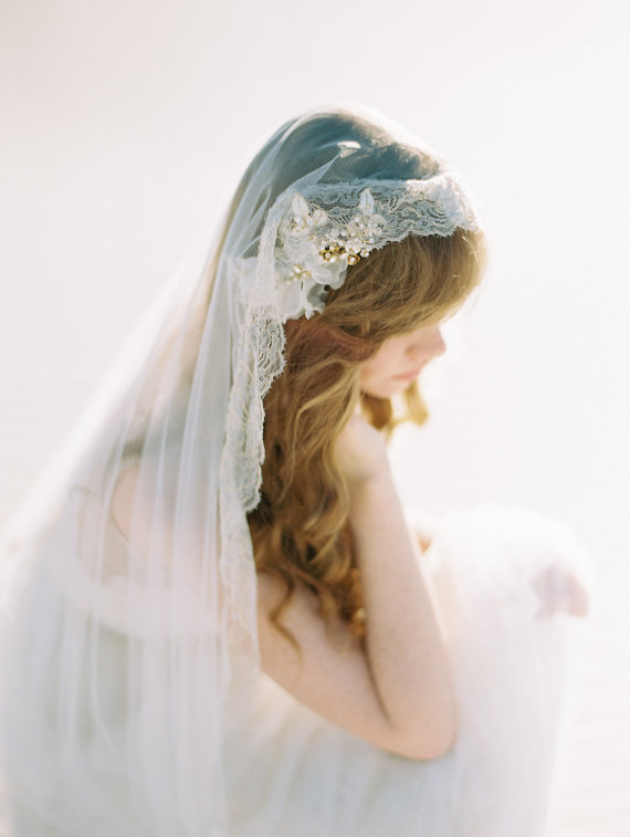 beautiful cathedral length veil weddings by SIBO Designs, photo: Brumley & Wells | http://emmalinebride.com/traditional/cathedral-length-veil-weddings/